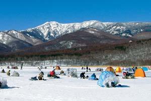 無印良品カンパーニャ嬬恋(バラギ湖)冬季わかさぎ写真