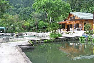 開楽園釣り池写真