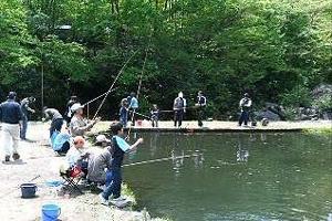 つりぼりカネト水産時間釣り写真
