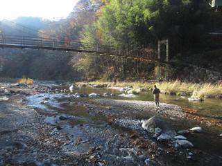 神流川オフシーズンにじます釣り場画像