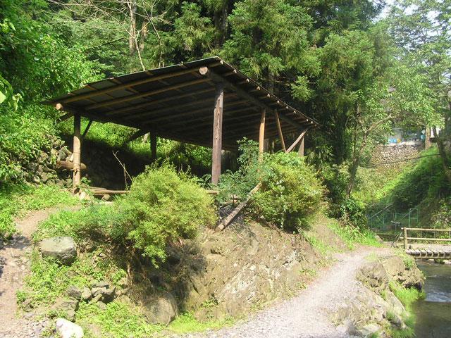 峰谷川渓流釣場BBQスペース写真