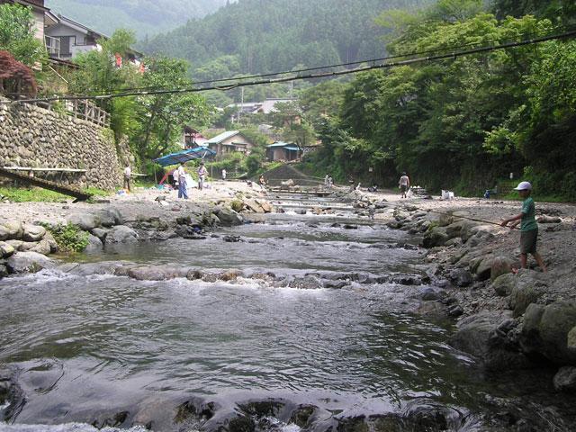 大丹波川国際虹マス釣り場大丹波川を使った釣場写真